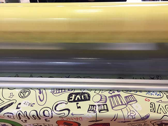 Glossy Cold Lamination Film Application
